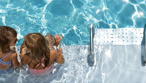¿Es posible tener el agua de la piscine adecuada a una piel frágil o sensible?