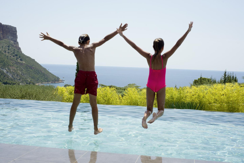 Llenar la piscina y tratar el agua: ¿cuánto cuesta al año?