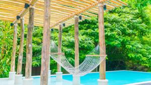 5 ideas de decorado para acondicionar su espacio piscina